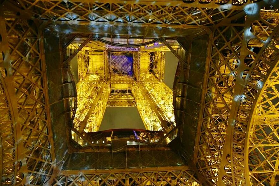 Wieża Eiffla w Paryżu Eiffel Tower Eiffel Tour Eiffel Paryż Paris Francja France
