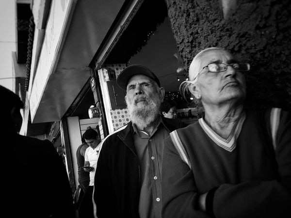 Met Mr. Fidel today on the packed streets of Leon Guanajuato Mexico ... Streetphotography Blackandwhite Black & White Hasta La Victoria Siempre The Week On EyeEm Fidel Castro The Street Photographer - 2016 EyeEm Awards