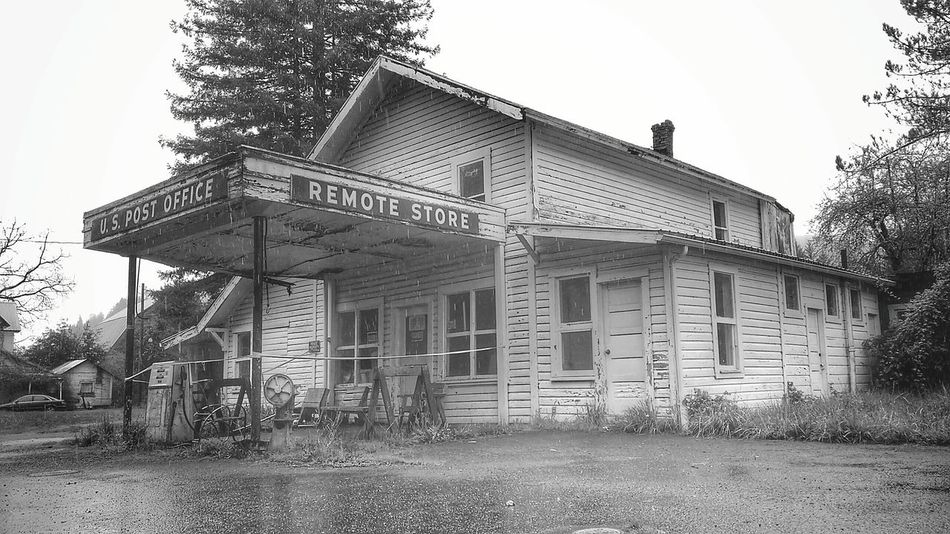 Remote, Oregon March 2016 closed for business, Abandonedbuilding, Closedforbusiness, Gas Station, Black & White, Black And White Collection , Hard Times, Bout That Life