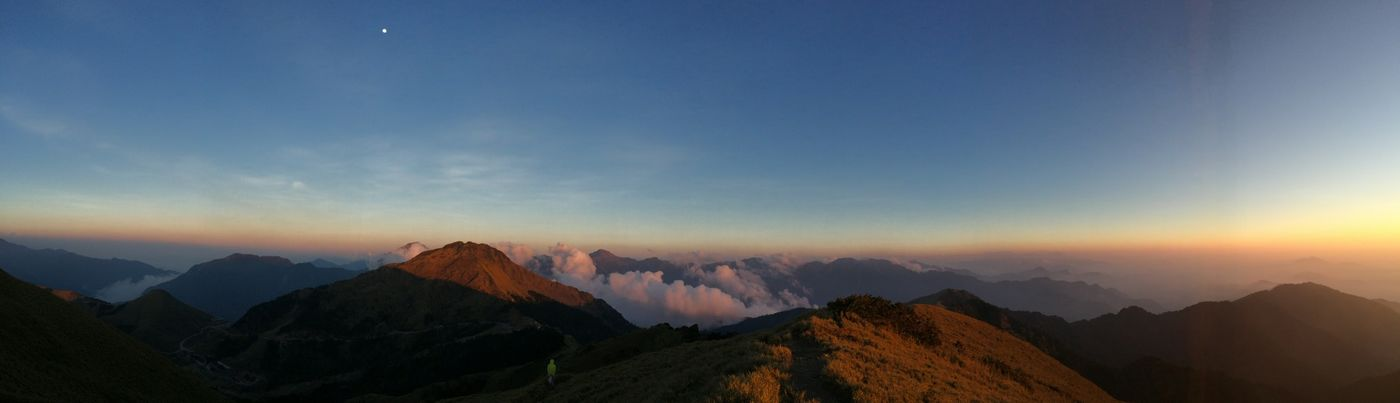3416m, one of high peak in Taiwan Nice Views On A Hike Clouds