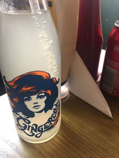 캐나다 드라이 진저에일 생각하고 시켰는데 이건 생강맛이 너무 진해!! Drink Ginger Ale