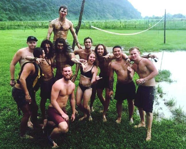 Volleyball Rain Season Laos Tubing Time Blutige Nasen Schlammschlacht Verruecktertag Australia Kanadier German Englander So Viel Spaß