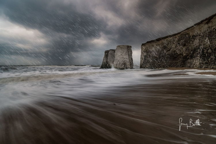 Beast from the East. Very high tide with huge tidal surf at Botany Bay while snowing . Cloud - Sky Sea Beach Outdoors Landscape Cold Temperature Horizon Over Water Wave Water Nature Broadstairs England, UK Nature_collection EyeEm Masterclass Winter Sonyalpha Sony Images Sony A6500 Beach Photography Landscape_Collection Seascape Water_collection Dramatic Sky Seascape Photography EyeEm Best Shots - Landscape