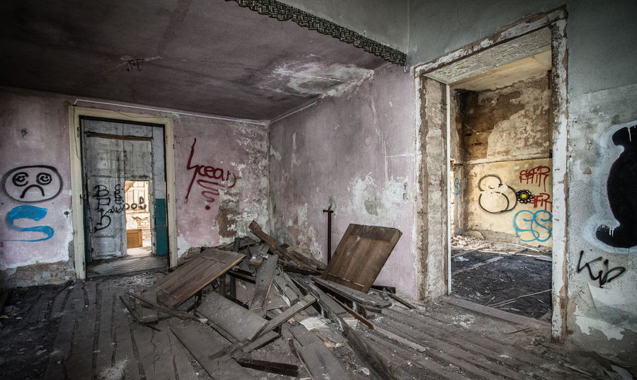 The Secret Spaces Abandoned Abandoned Abandoned Buildings Abandoned House Graffiti Photography Wide-angle House Empty Room Empty House Destroyed Building Destroyed House