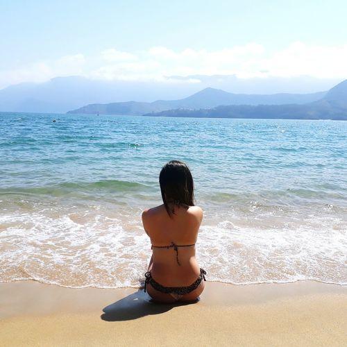 Only Women Beach Beautiful Nature Women Relaxation Water Solar Ilhabela Paradise Sonho Amor Delicious Tranquility Reflextion Reflexão  Show EyeEmNewHere The Week On EyeEm