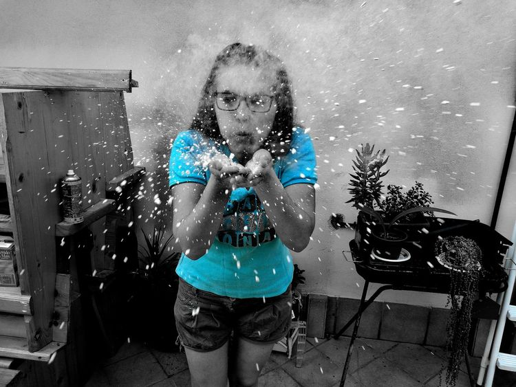 Snow in the Summer with some Holi Powder , or was it jus Flour and Glitter ? LOL Beautiful Girl Girl Outside Ragazza Fun Funny