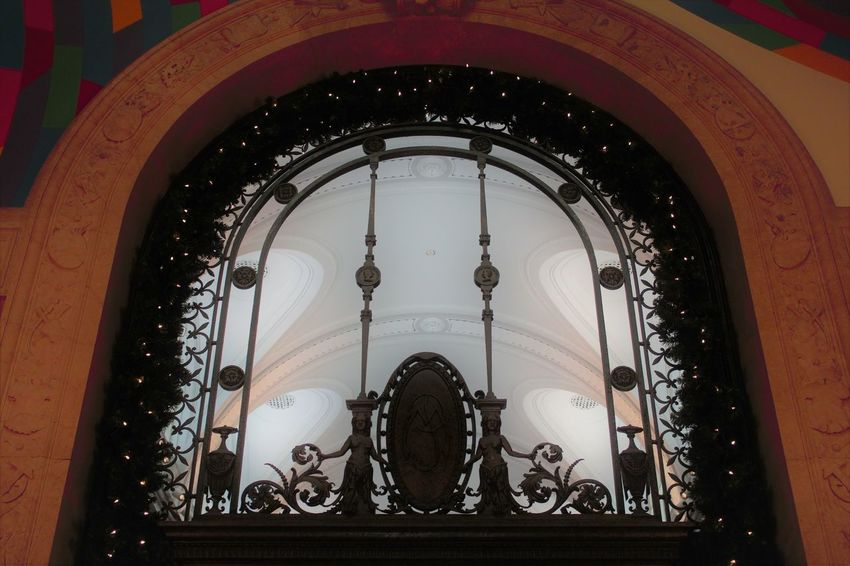 Archway.. Wandsworth Antheneum Museum Art Museum Architcture Indoor Photography Cold Days Statuettes Day Close-up