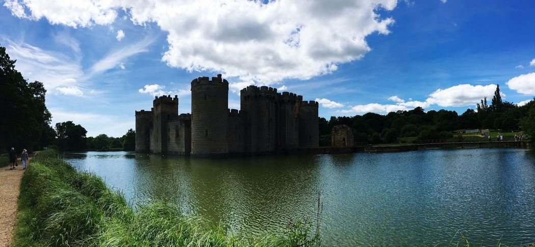 Bodiam Castle Sky Cloud - Sky Architecture Water Building Exterior Built Structure Day River Outdoors Waterfront No People Nature Tree Beauty In Nature Cityscape City