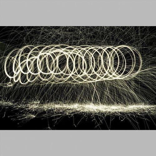4 Light Lights Lightpainting Lightpaint Lightpaintingphotography LightPainters Lightpainter Lightpainted Lightpaintingbrushes Lightpaintingoftheday Lightpaintingart Lightpaintingphotos Longexposure Longexpo Longexposureoftheday Instalights Instalightpainting VSCO Vscocam Achadosdasemana Longaexposição Longaexposição Parededevidro Brasilfolk vscolights