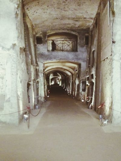 Non disturbar il sonmo di chi dorme The Way Forward Indoors  Architecture Built Structure Arch Passageway Day No People San Gennaro Napoli Italia Naples Italy Archeology Old Ruin Architecture History Ancient Beautiful Cultures Ancient Civilization