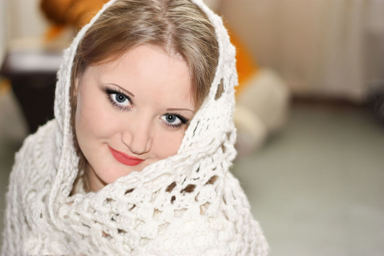 EyeEmNewHere EyeEmNewHere Girl Power Beautiful Woman Beauty Beauty Pretty Tenderness Shawl Shawl Blond Hair Close-up Day Focus On Foreground Happiness Indoors  Looking At Camera One Person One Young Woman Only People Portrait Pretty Girl Real People Shawl Halfmoon Smile Beauty Pretty Tenderness Shawl Shawl Smiling Tenderness Shawl Shawl Warm Clothing Young Adult Young Women
