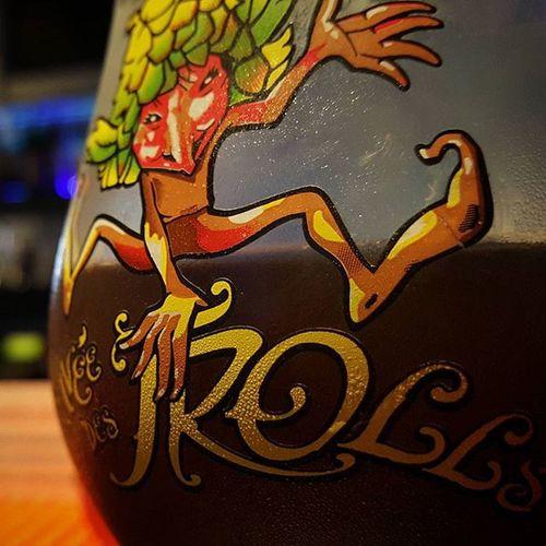 Une magnifique Cuvée des Tolls dégustée au bar de e-sport le QWERTZ à Lausanne. Qwertz CuvéeDesTrolls Bière Beer Bar Beers Gaminglife Nightlife Lausanne Switzerland Esports Qwertzlausanne