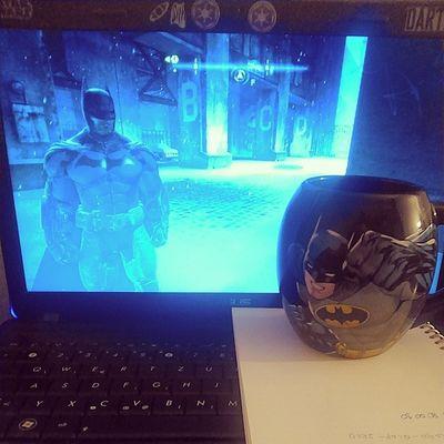 U elementu. Batman Arkhamorigins Coffee Mug videogames justgeekthings