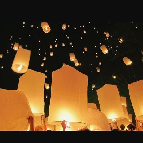 Thousand hopes fly to the sky. Enjoying Life Yipeng_Lanna Chiang Mai | Thailand