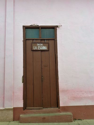 Doors: Cuba Architecture Building Exterior Built Structure Closed Communication Day Door Entrance No People Outdoors Pink Color Text Western Script