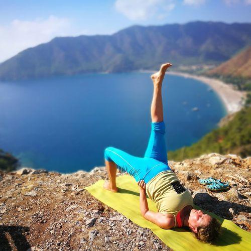 Йога с утра с видом на море йога Yoga Asana асана Турция Адрасан Yantra.lv Интенсив 2016