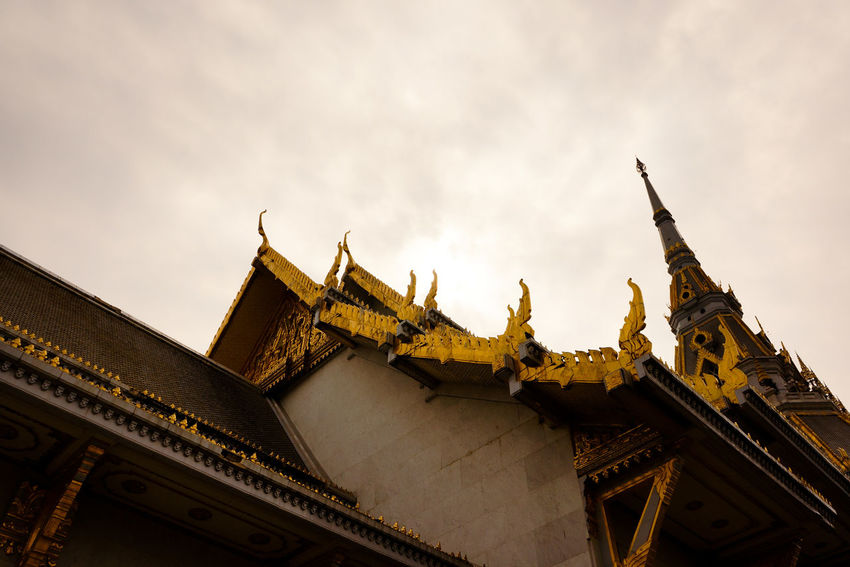 Thai temple Wat Sothorn Woravihan Pattern Background Beautiful Lifestyles Art Abstract Light Object Shadow Architecture Tower Travel Destinations History City Gold No People Cityscape Sky Outdoors Day