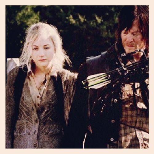 BethyI como amo a estos 2 *-* DarlyiDixon Normanreedus BethGreene EmilyKinney TheWalkingDead *-*