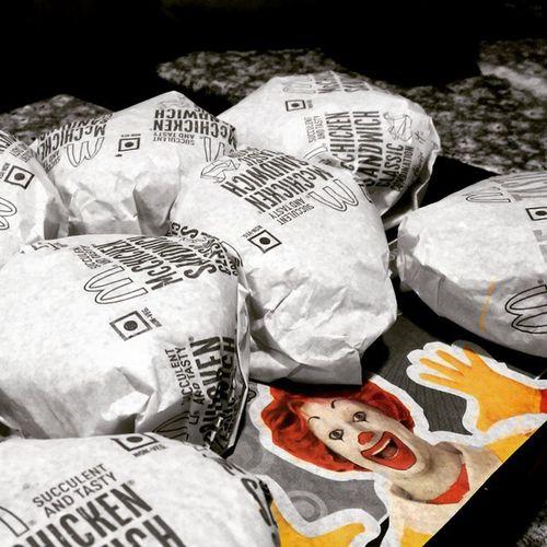 I'm Loving it....!!! McDonald 's Burger Chicken Food Hungry Imlovingit Photography Random Clicks Life