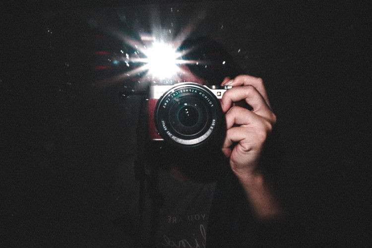 Take a selfie at mirror Fujifilm X-A3 In The Dark Art Inspirations Photography Selfıe Picture Shadow Human Hand Low Section Holding Close-up Sparks