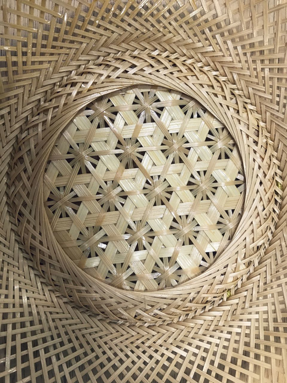 CLOSE-UP OF WICKER BASKET IN GLASS