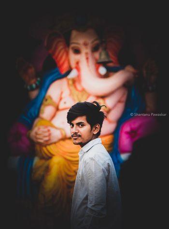 Matte♥️🌚🖤 Top Photos _hoi Editorschoice Indian God Ganesha Indianphotographersclub Photography ♥ EyeEmNewHere Potrait Photoframe Uspa EyeEm Selects Young Men Young Adult Real People Lifestyles Portrait Young Women