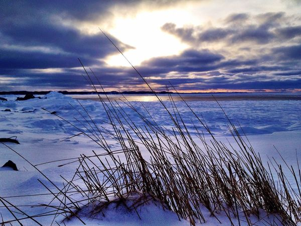 Winter calls Tranquil Scene Tranquility Cloud - Sky Sky Beauty In Nature Nature Weather Scenics Cold Temperature Snow Winter Sea Outdoors No People Sunset Horizon Over Water Day Water