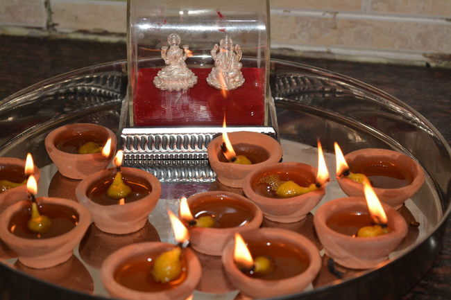 Diwali Diyas✨✨ Close-up Dipawali Diwali Lights Diwalicelebrations Diwali💟🎇🎆🌌 Diya Diya - Oil Lamp Flame Illuminated Laxmipuja No People Oil Lamp