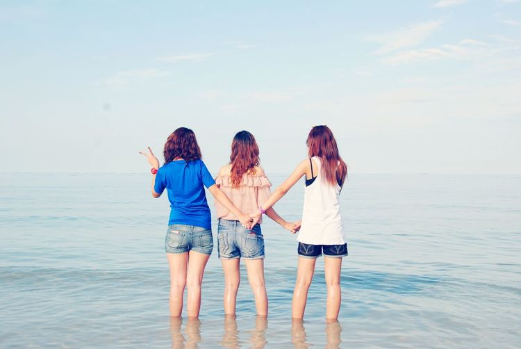 Friend Friendship Young Women Sea Water Women Togetherness Beach Happiness Sun