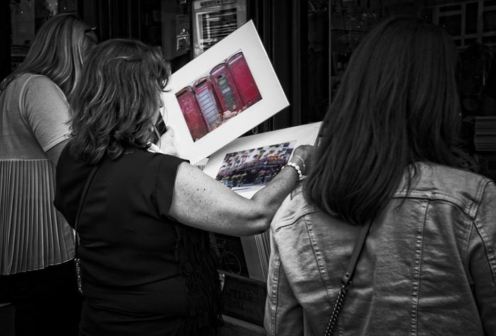 Portabello picture purchasers picking pictures in Portabello market Adults Only Two People People Street Summer Photographynews Canonphotography London @canonuk Photo24 Contrast And Lights Liveforthestory Canon5dmarkiv Building Exterior Streetphotography Day Blackandwhite Monochrome Black And White Contrast Colour Splash Market Street Market Images BestEdits