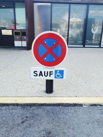 Spaın Road Sign