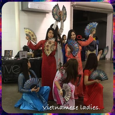 Vietnamese Ladies - Vietnamese New Year celebration 31 January 2016 Carnival Of Cultures Carnival Color... Streetphotography EyeEm Best Shots NewYear