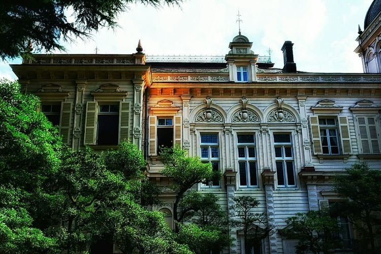 Old House Taking Photos Enjoying Life Antique Architecture Antique Mansion Beautiful Place