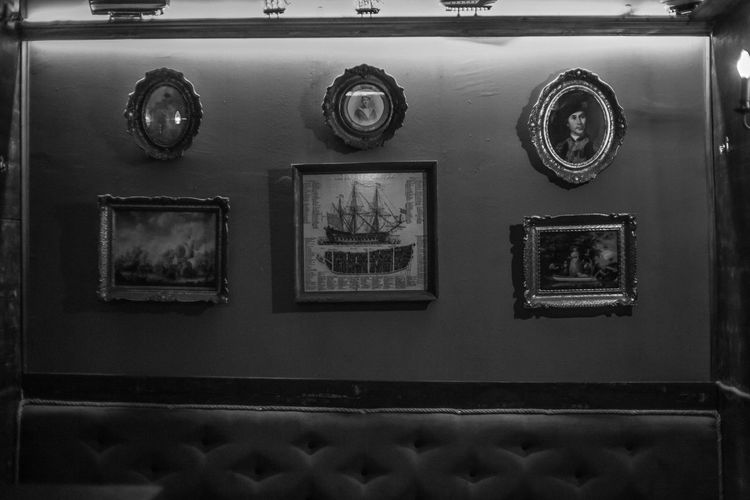Old-fashioned Old Close-up Piratebar Bar Interior Design