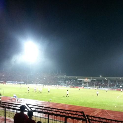 Before the match!! Sarawak vs. Lions XII FC Ngapsayoters Gb13 Redarmy Bujangsenang ngapngapboyak