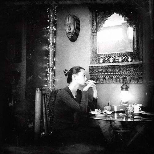 Black And White Friday Ethnic Café Bwstreet EyeEm Best Shots - Black + White Eyem Gallery Eyemphotography Lenscultureportrait Lensculturestreets IPA Young Women Old-fashioned Lifestyles Retro Styled Mobiography Shootermagazine EyeEm Italy EyeEm Best Shots - People + Portrait