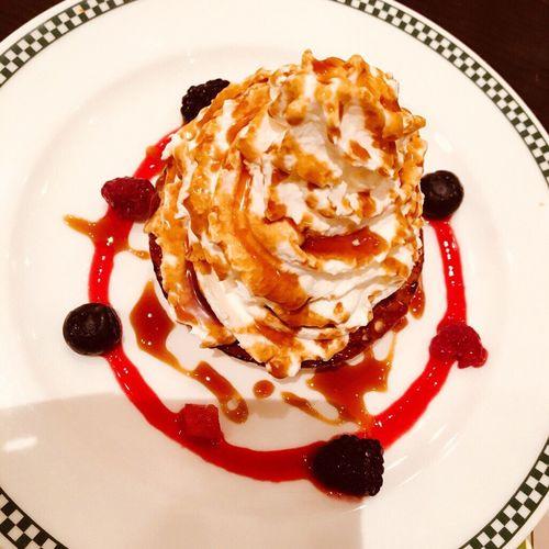 Sweet 甘い ブリュレ いちご 😚 Berry Food Plate Cake First Eyeem Photo