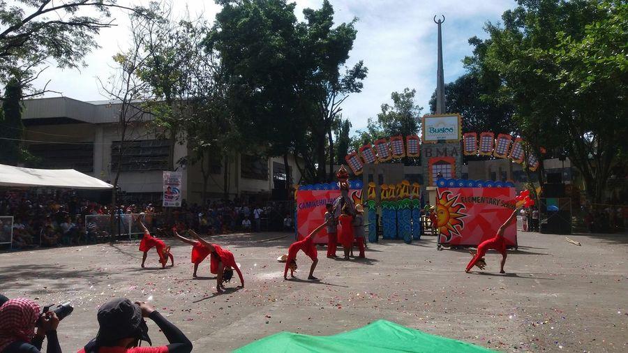 Tree Multi Colored Outdoors Minasafestival2017 Festival Dance Dancers Showdown  Streetdance Snapseed X Eyeem