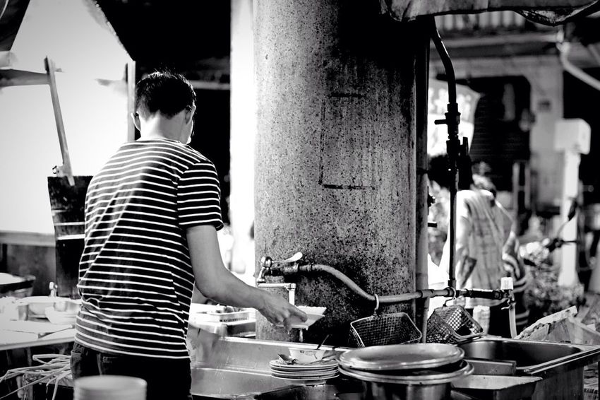 food stand worker Person Men EyeEm Gallery Blackandwhite EyeEm Best Shots Nightphotography Night Photography Market Black And White Monochrome Canon 5d Mark Iv Carl Zeiss Planar T* 80/2.8 Cb Food And Drink Food Stand Restaurant Dishwasher Restaurants Monochromatic Black&white