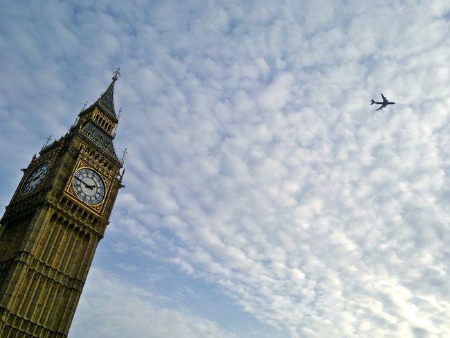 Nokia N8-00 Londres London Sky Plane Bigben