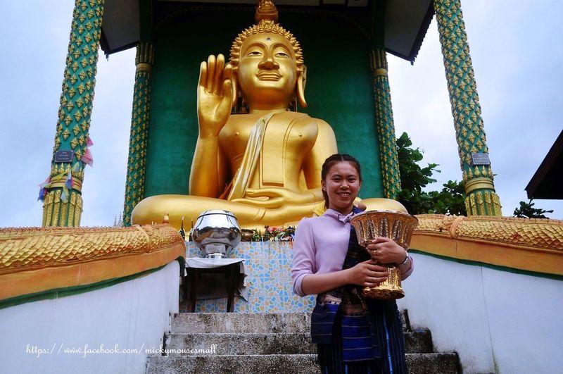philanthropy World Culture Emotion Travel Photography Philanthropy Believe Laos Smiling Men Statue Place Of Worship Sculpture Spirituality Religion Sky Architecture Buddha Tourism