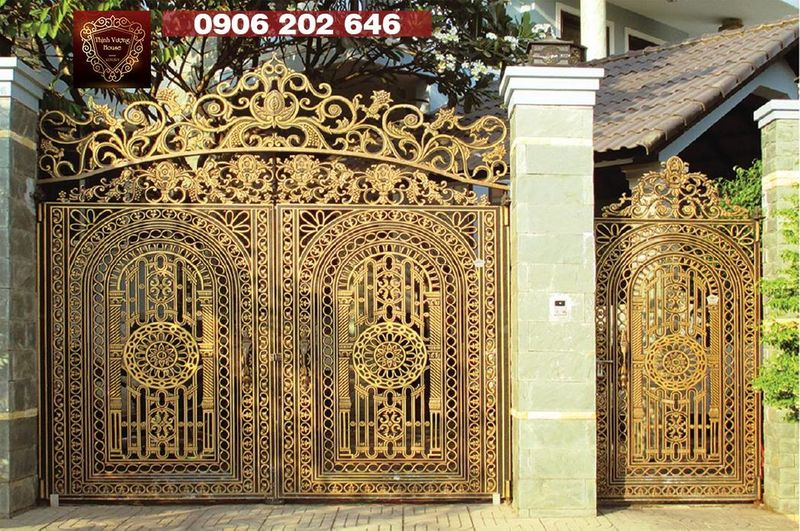 Cổng nhôm đúc với biểu tượng của vòng tròn may mắn bất diệt mang lại vẻ đẹp bất tử với thời gian và sức mạnh tài lộc, vận khí cho mọi quý khách hàng. http://thinhvuonghouse.com/san-pham/cong-nhom-duc-suc-manh-vinh-hang Cong Nhom Duc