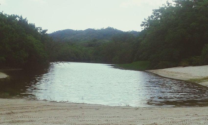 Laguna en playa