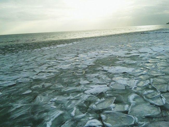 Hello World Enjoying Life Nature Wintertime Eiszeit Eisschollen EyeEm Nature Lover Eye Em Nature Lover