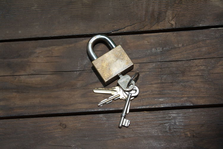 key Metal Wood