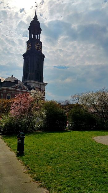 Michel Hamburg Church Sunny Day Photography EyeEm Gallery EyeEm Best Shots Germany Citylife Colorful