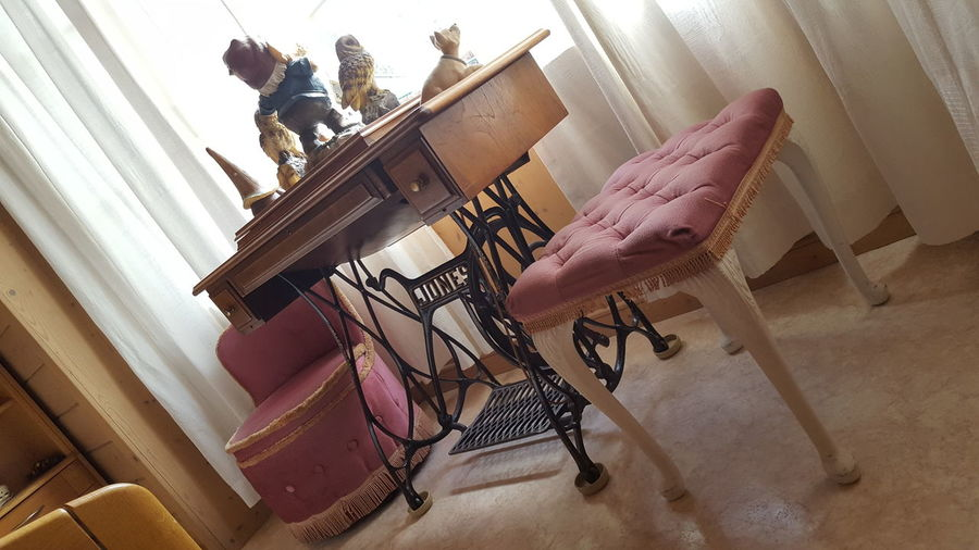 old furniture Furnitures English Sewing Machine Sewing Variation Choice Store Close-up