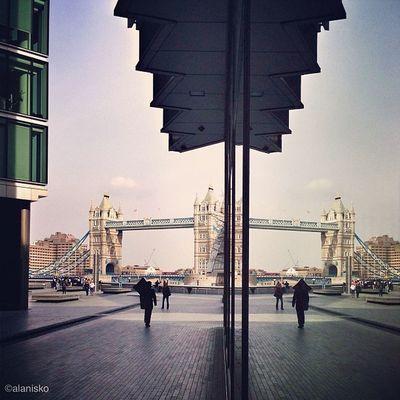Tower Bridge #reflection ????☀#alan_in_london #gf_uk #gf_daily #gang_family #insta_uk #igers_london #insta_london #ldn #london #londonpop #london_only #londoners #thisislondon #ic_cities #ic_cities_london #ig_england #love_london #o2trains #gi_uk #worldwi Gf_uk Alan_in_london Reflection Insta_london O2trains Worldwidephotowalk London Thisislondon Londoners Gi_uk Igers_london Gang_family Gf_daily Ig_england Towerbridge Love_london Londonpop Ic_cities_london LDN Insta_uk London_only Ic_cities