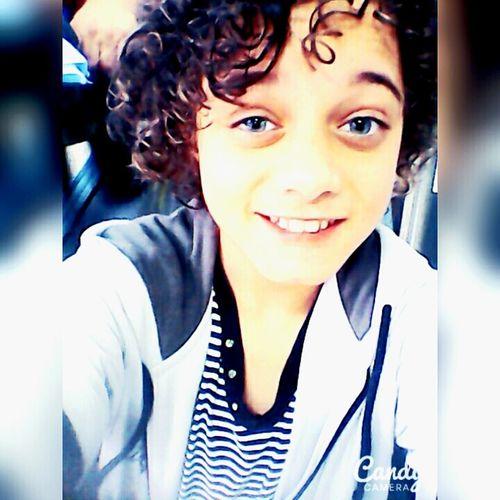 *-* Owwnt! ❤ Um sorriso de lado, olhos meio aberto, pronto para a foto. 😚