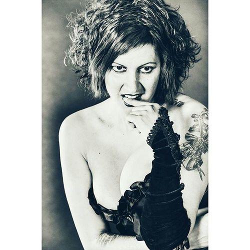 Foto y Edición: @rafaelblanc_feliz_ sacando mi lado seductor... Feliz Martesgolfo a tod@s.... una mirada bien entendida lo dice todo...